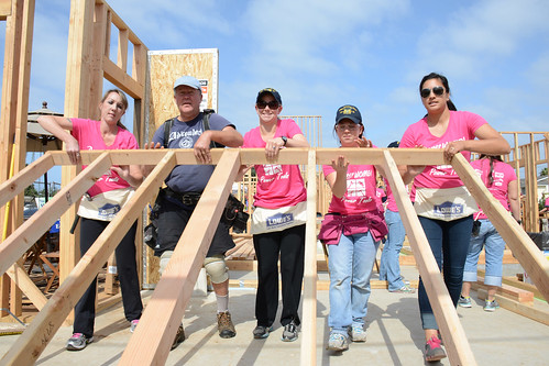 USS Green Bay Sailors Participate in National Women Build Week