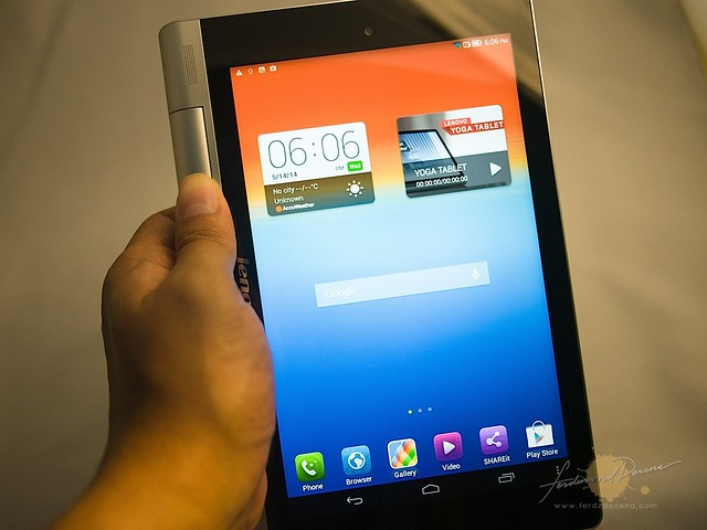 The Hold mode of the yoga tablet 8