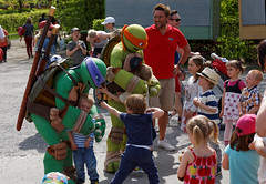 Large_Family_Day_2014_096