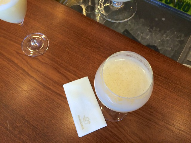 Frothy Bellini at Londra Palace