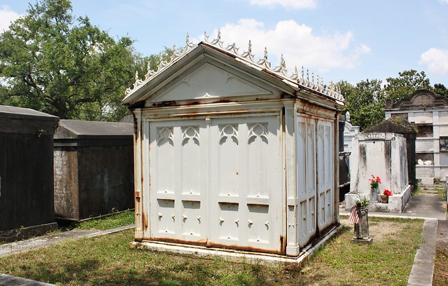 lafayette-cemetery-lestat-tomb