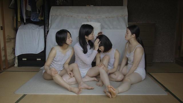 ダンス映像作家・吉開菜央が、歌手・柴田聡子と贈る映画「ほったまるびより」