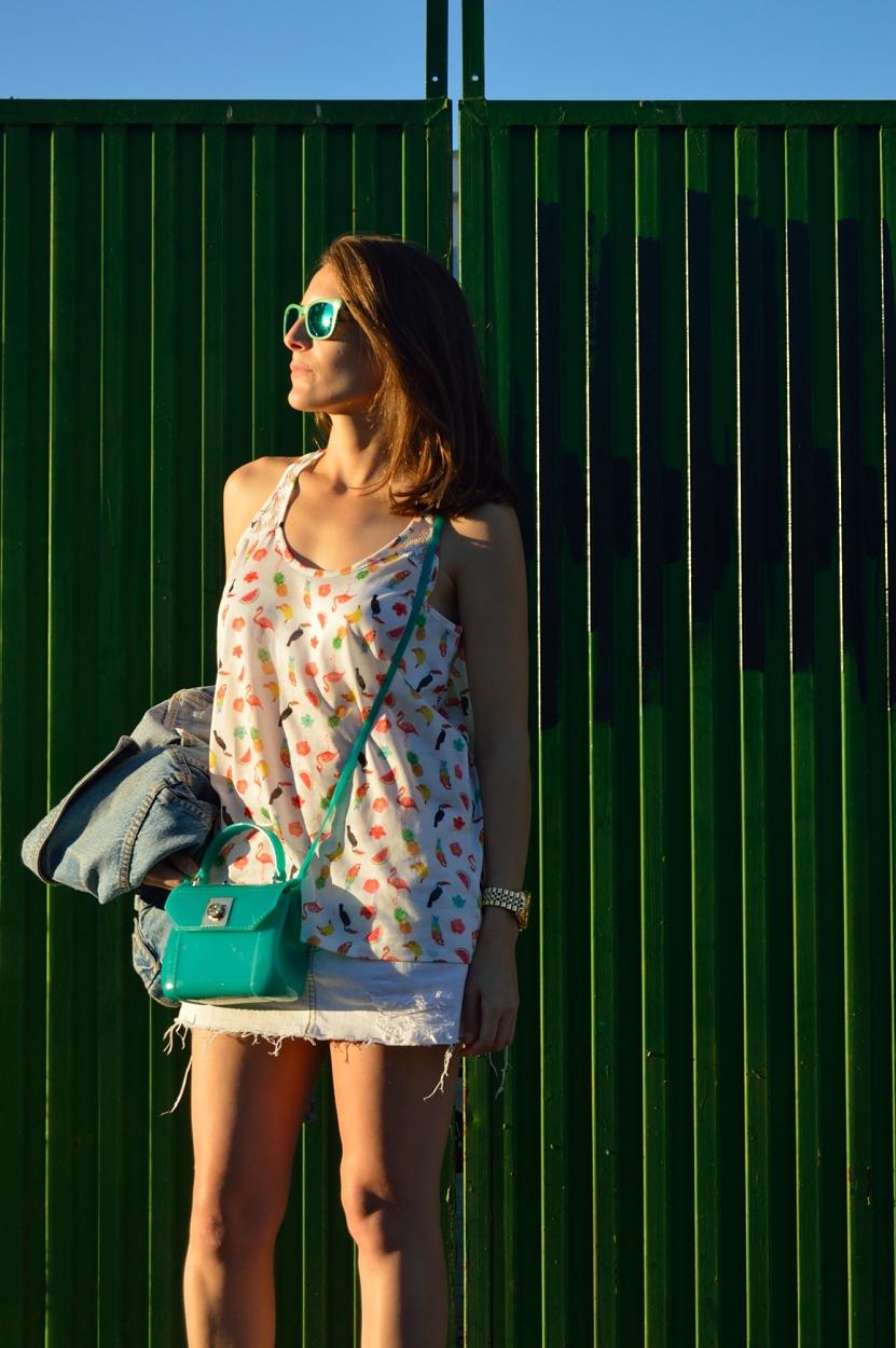 lara-vazquez-madlula-fashion-blog-style-streetstyle-white-green-tropical-look