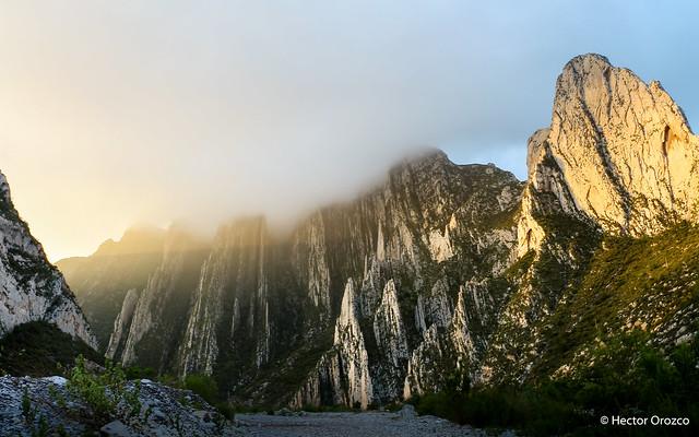Amanecer en el parque ecológico La Huasteca