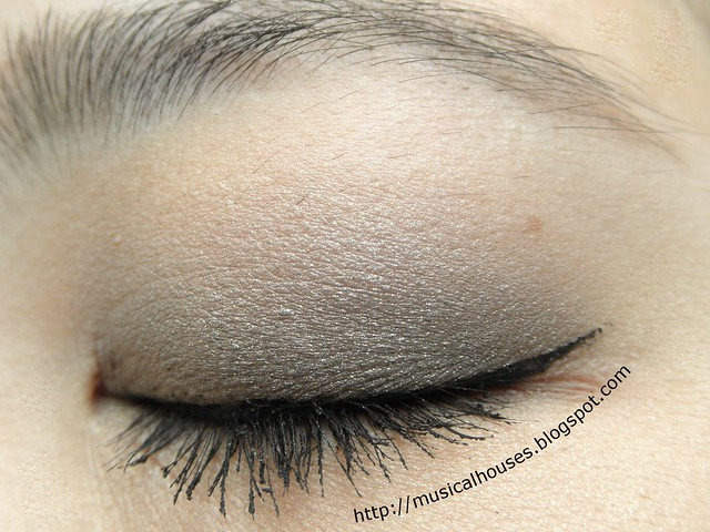 Benefit Theyre Real Push Up Liner EOTD Closed Line