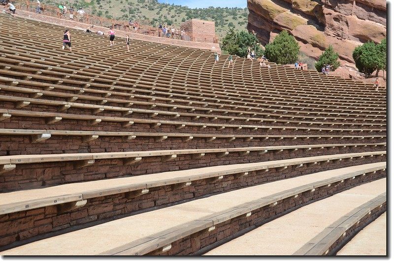 Terraces(seats)of Amphitheatre (可容納10000人) 1