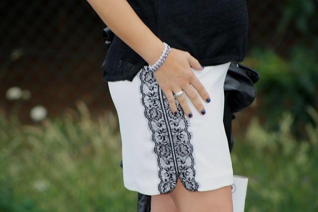 falda con puntilla