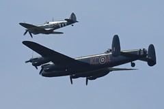 Lancaster & Spitfire 02