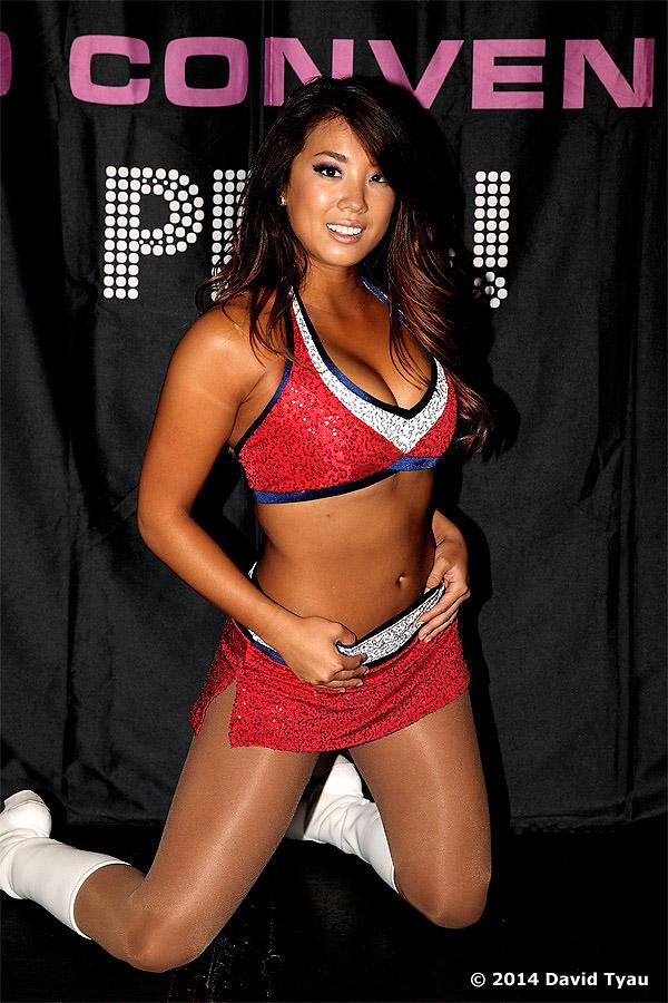 WWG Jackie 06