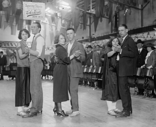 Marathon dancers, 20 April 1923