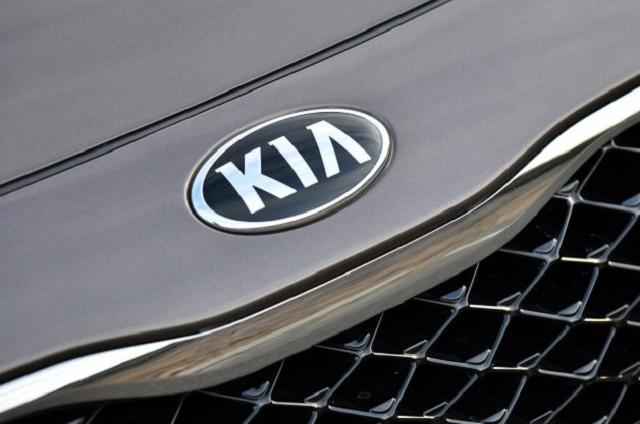 11-2014-kia-cadenza-review-1