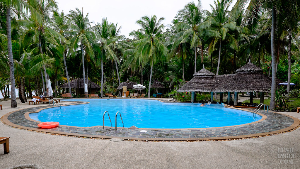 siquijor-swimming-pool