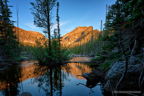 lakehaiyaha rockymountainnationalpark colorado usa nikond800 marchaegemanphotography rockies rockymountains lake sunrise bearlaketrail outdoor landscape landscapephotography dreamlaketrail scenic bearlakearea hallettpeak forest creek water reflections