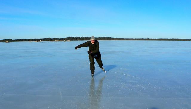 Ice skating on Lake, Panasonic DMC-FZ5