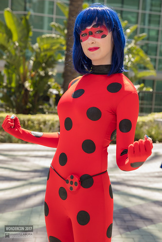 Wondercon 2017 Cosplay Miraculous Lady Bug