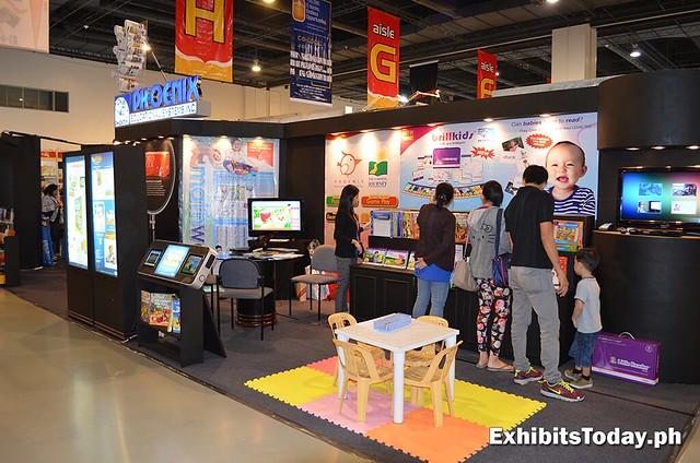 Phoenix exhibit stand