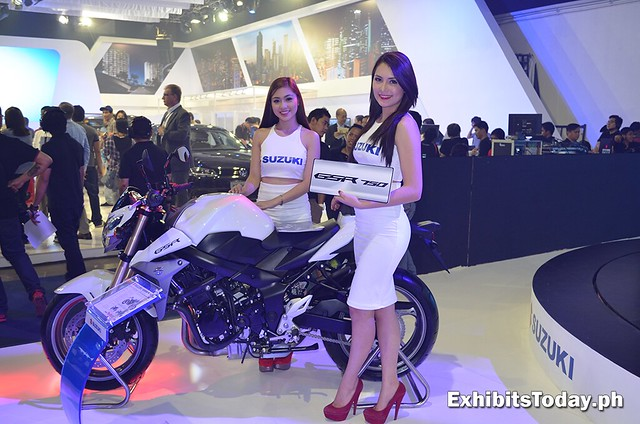 Suzuki GSR 750 with models