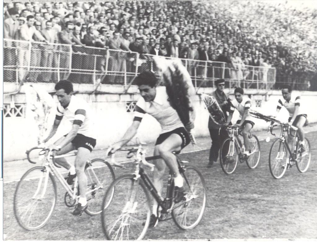 Giro d'Onore allo Stadio Torino; In Prima fila da sinistra: Monti e Ciancola; In seconda fila da sinistra: Imperi e Mazzoni