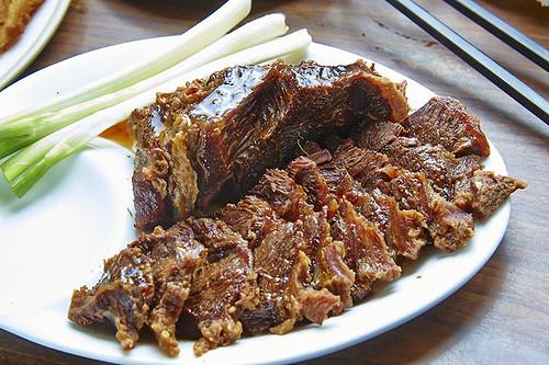 高雄新興區六合夜市_小王牛肉麵_頂級牛料理_嘴邊肉
