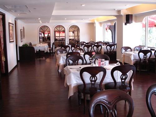 高雄前金區_新國際西餐廳_高雄新國際西餐廳的成長-改裝後用餐區