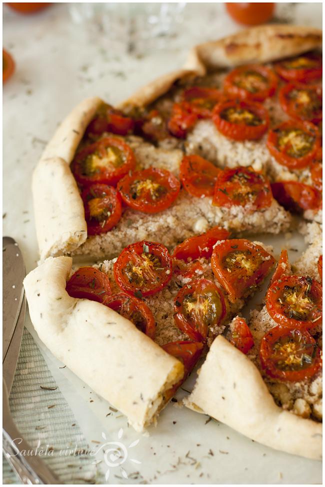 Pyragas su varškės sūriu ir pomidorais (4)