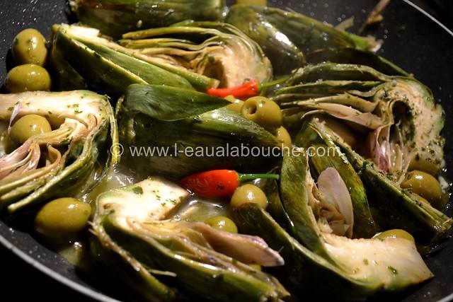 Artichaut au Vin Blanc et Olives © Ana Luthi Tous droits réservés 006_GF