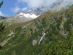 Gletscher, Gipfel und Wasserfälle im Stubaital