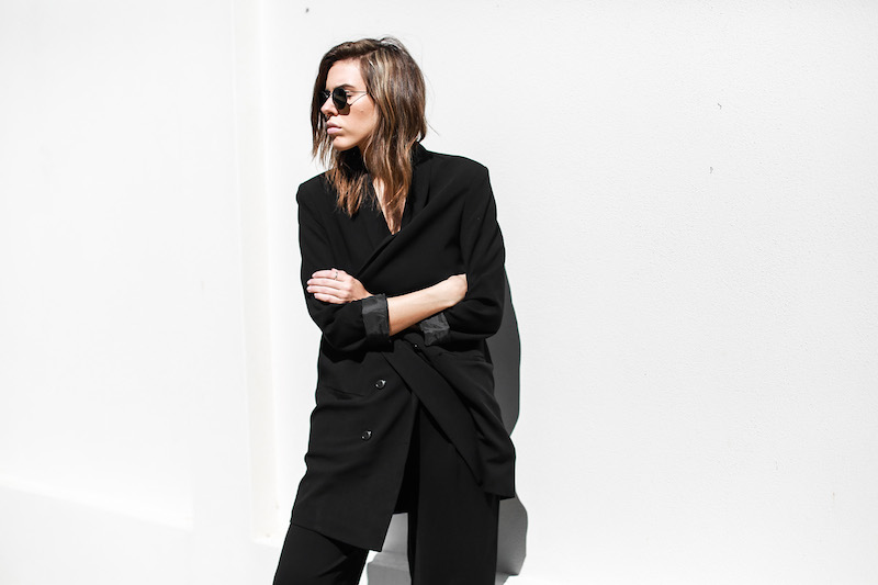 modern legacy fashion blog suit street style Celine slide sandals Max Mara wide leg pants boyfriend blazer Alexander Wang bag all black work wear (4 of 13)