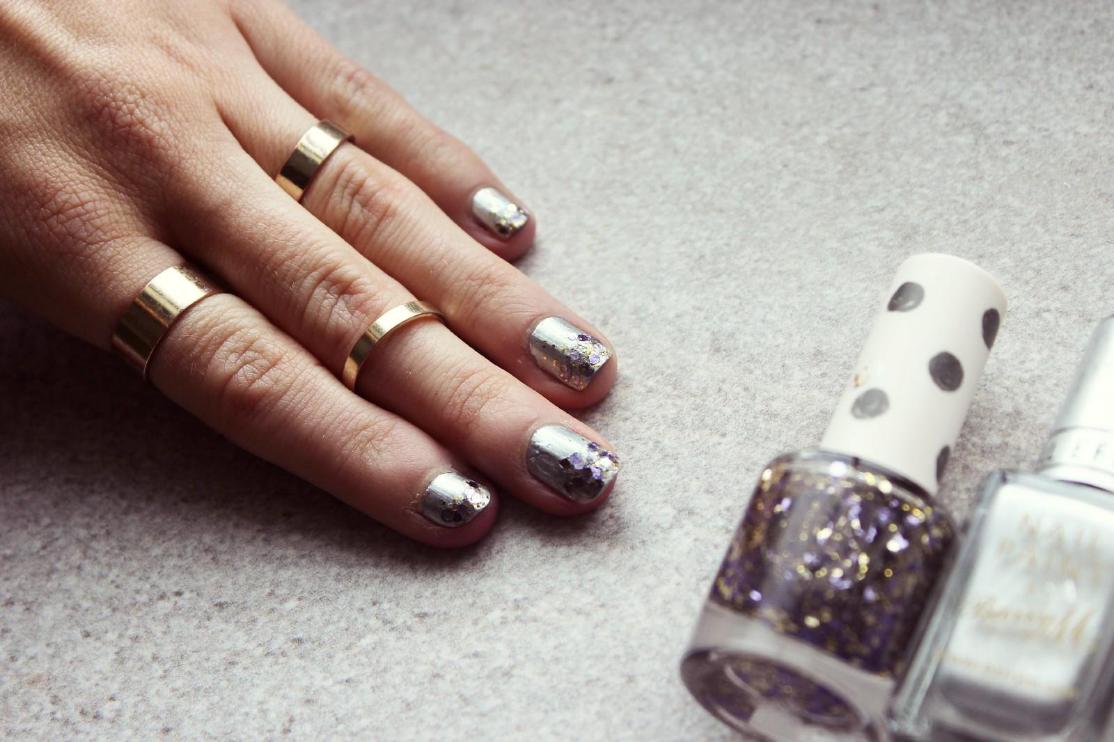 Glitter tip nails 1