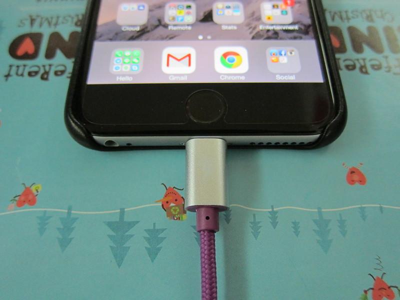 Lightning Rabbit Cables - Purple Lightning Rabbit - Lightning End Plugged In