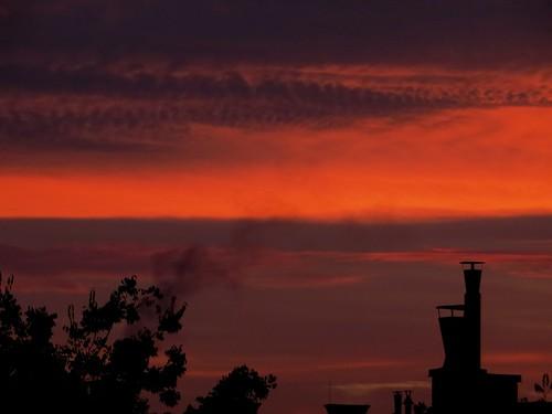 autumn sky cloud fall sunrise dawn colorful skies silhouettes september explore tone felhő fal hajnal colorclouds égbolt pirkadat 169explore