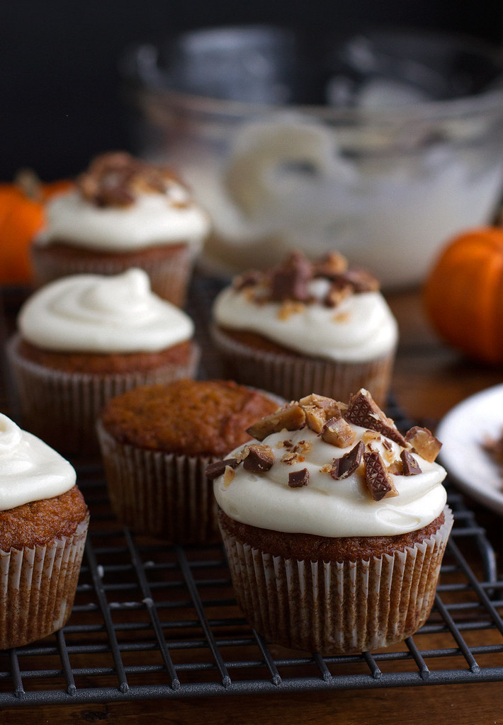 pumpkin cupcakes with the most decadent maple cream cheese frosting ...