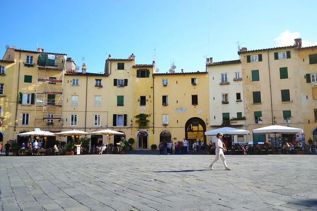 Place de Lucca