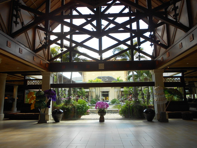 Lobby of Lowes Hotel