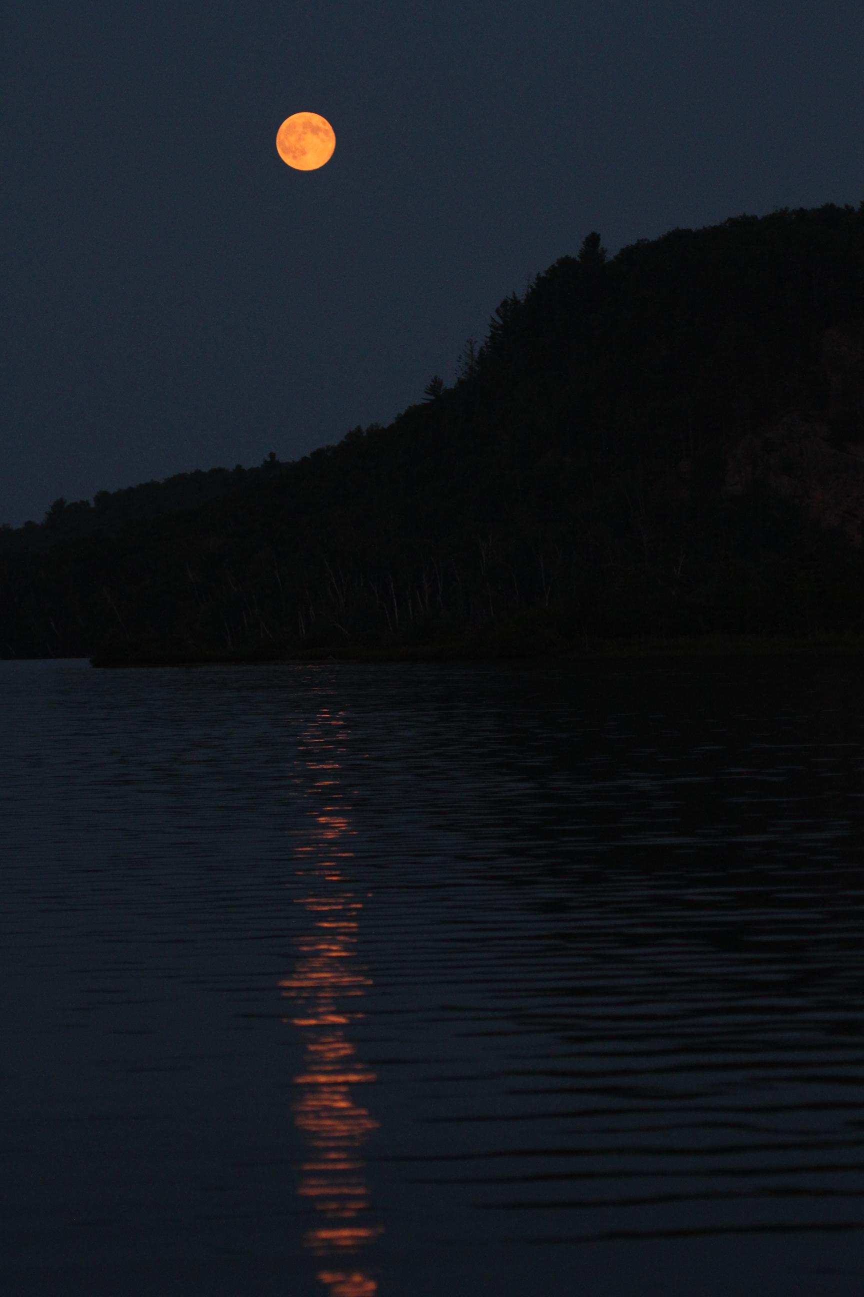 orange moon2