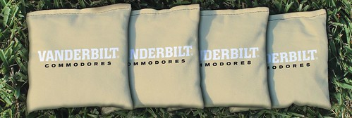 VANDERBILT COMMODORES GOLD CORNHOLE BAGS