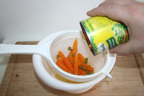 27 - Erbsen & Möhren abgießen / Drain peas & carrots