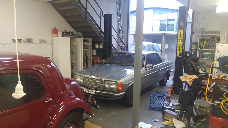Back behind the wheel of a W123