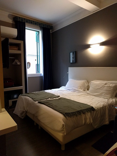 our room @ Hotel Metropolitan