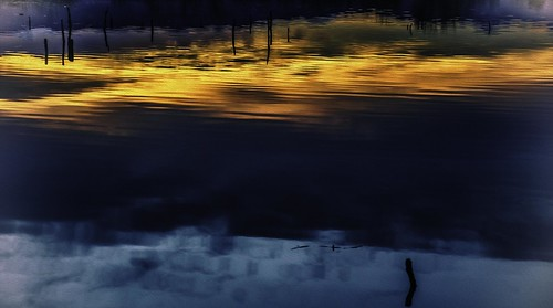 sonya6000 lightroom lightroompresets vignette photoshop psoilpainting waldenpondswildlifehabitatboulderco boulderco sunset ponds reflections hss sliderssunday pshdr vignetteslide
