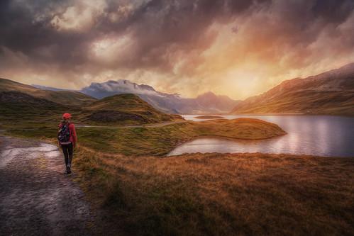 switzerland melchseefrutt tannensee hiking nature alpine landscape eveningmood eveningcolors path trail alpinelake kerns