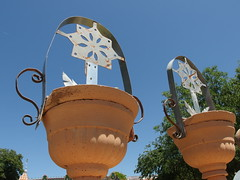 flower(0.0), walt disney world(0.0), temple(0.0), sculpture(0.0), resort(0.0), park(0.0), amusement park(0.0), world(1.0), landmark(1.0),