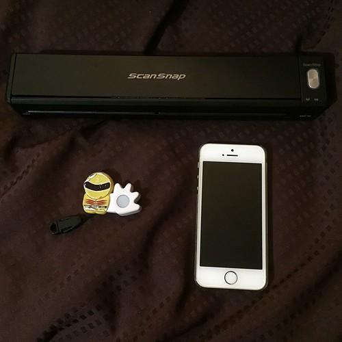 本体とiPhon5sを並べてみました。長さはiPhone5sとiPhone6を縦に並べてプラス1センチ。