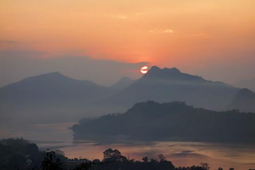 sunset si hill laos mekong luang phu prabang