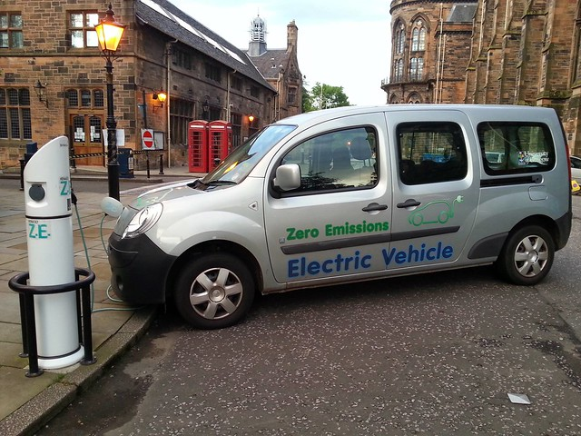 electric vehicle (by: eltpics, creative commons)