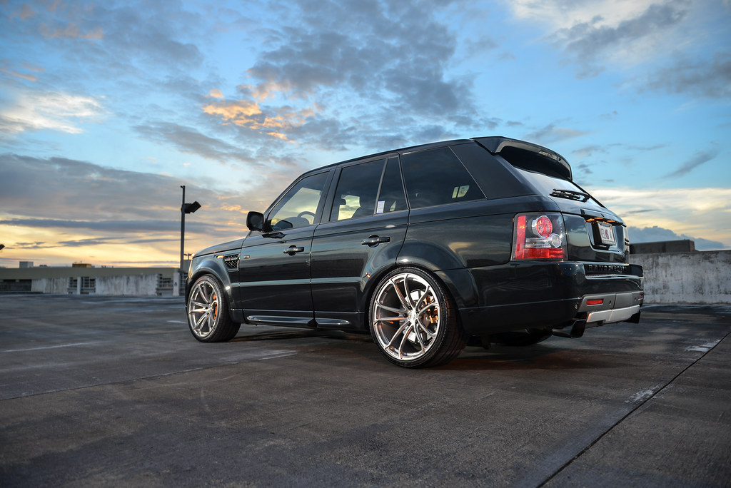 2011 range rover sport supercharged on 22 velos s4 forged wheels. Black Bedroom Furniture Sets. Home Design Ideas