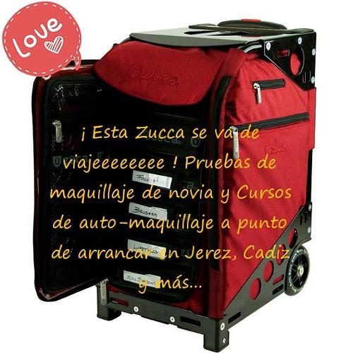¡ Esta #Zucca se va de viajeeeeeeee ! Pruebas de maquillaje de novia y Cursos de auto-maquillaje a punto de arrancar en Jerez, Cadiz y más...   Escríbeme: info@almudenapersa.com Llámame: 619 006 805    #maquillista #maquilladora #makeupartist #Beautymakeu