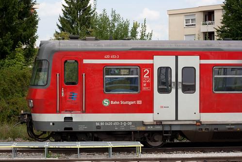 Die 420er in München, wie 420 453 im Bild, erhalten Zuwachs: Der frisch sanierte 420 446 ist in München eingetroffen.