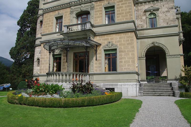 Schloss Hünegg und Bergbahnausstellung