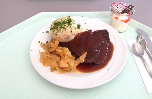 Ochsenbraten vom Weidochsen mit Rotweinsauce, Semmelknödel & Bayrisch Kraut / Roast beef with red wine sauce, bread dumpling & bavarian cabbage
